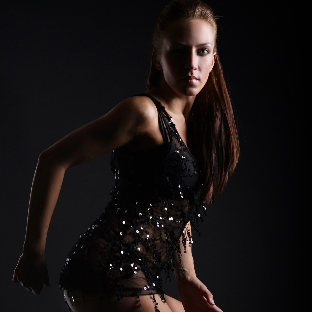 Сексуальная девушка танцует go go 15 фотография